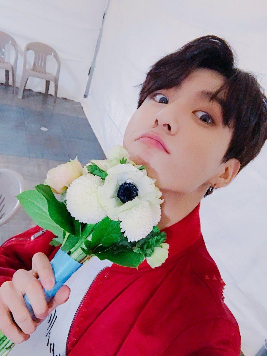 FLOWER MAIL | jungkook in 2019 | Bts, Jungkook selca, Taehyung