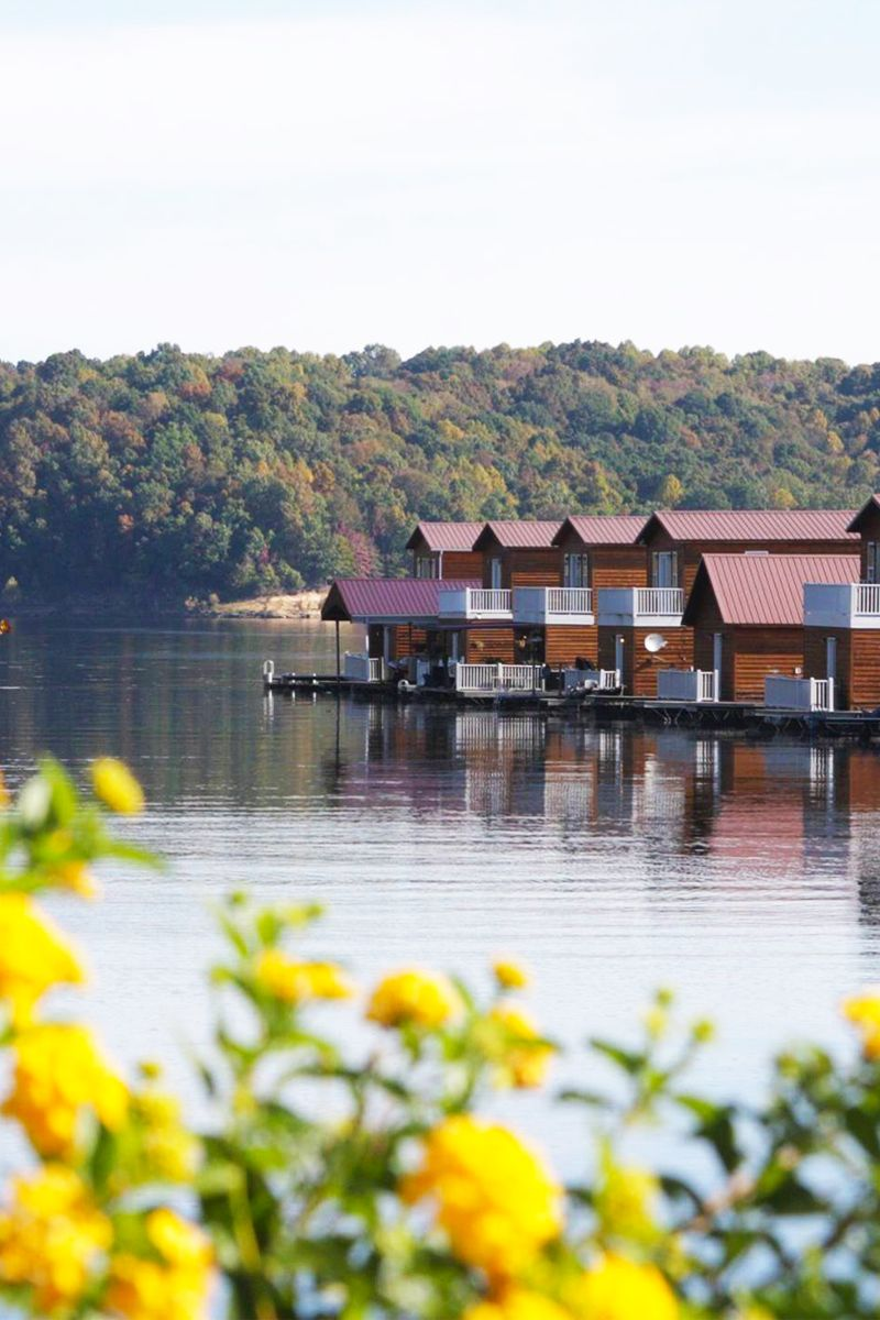 Experience The Ultimate Lake Life In These Floating Houses ...
