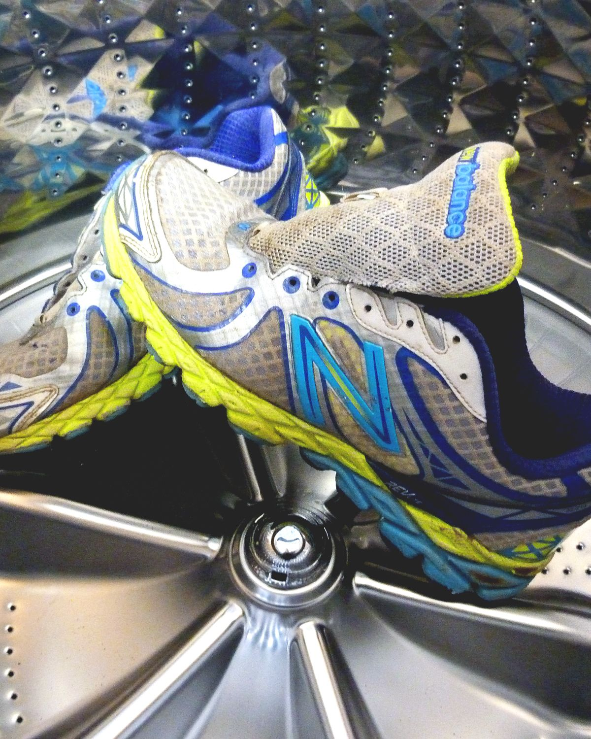 How To Clean Running Shoes 3 Ways Hex Performance Shoes Running Shoes Hoka Running Shoes