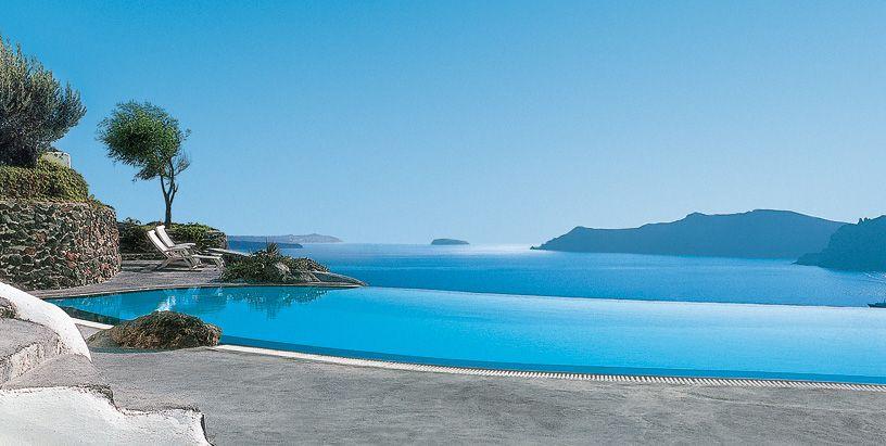 pool view at Perivolas, luxury boutique hotel in Oia, Santorini