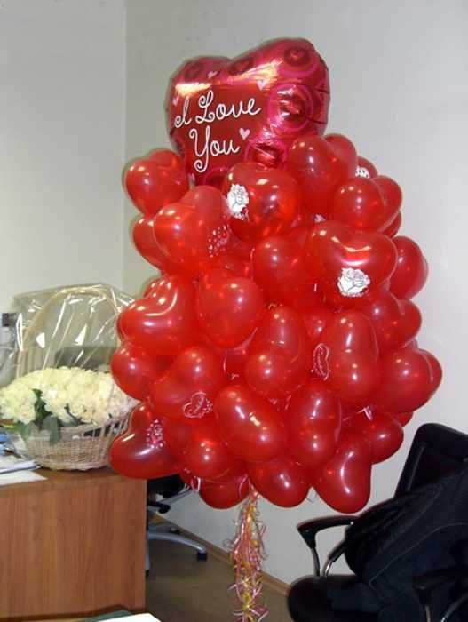 Red hearts balloons creative crafts and valentines day for Balloon decoration for valentines day