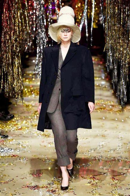 Paris Fashion Week FW 2015-2016 Vivienne Westwood #Paris #catwalk #silkgiftmilan #fashion