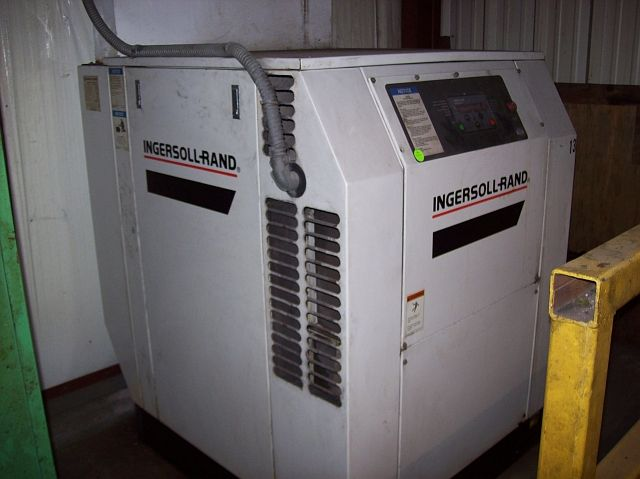 Ingersoll-Rand 20 HP Rotary Screw Air Compressor with Air