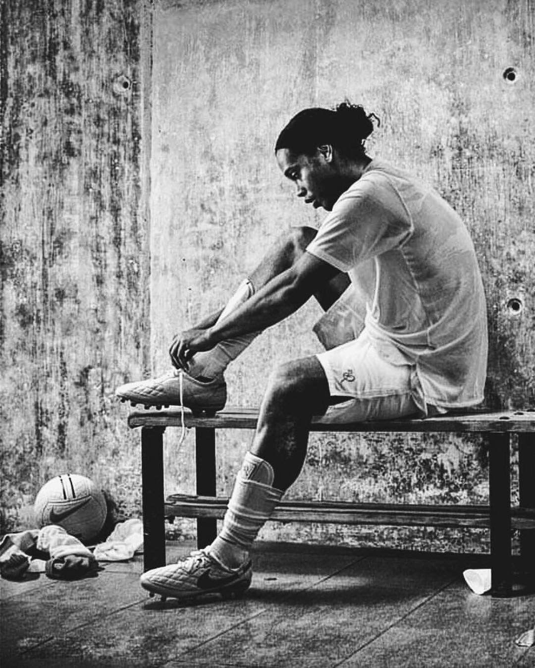 Ronaldinho Street football, Legends football, Football art