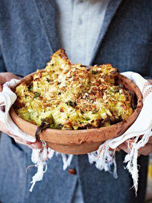 Cauliflower & Broccoli Cheese | Vegetable Recipes | Jamie Oliver (Brokkoli nicht in der Soße sondern einzeln kochen, sonst brennt die Soße an)