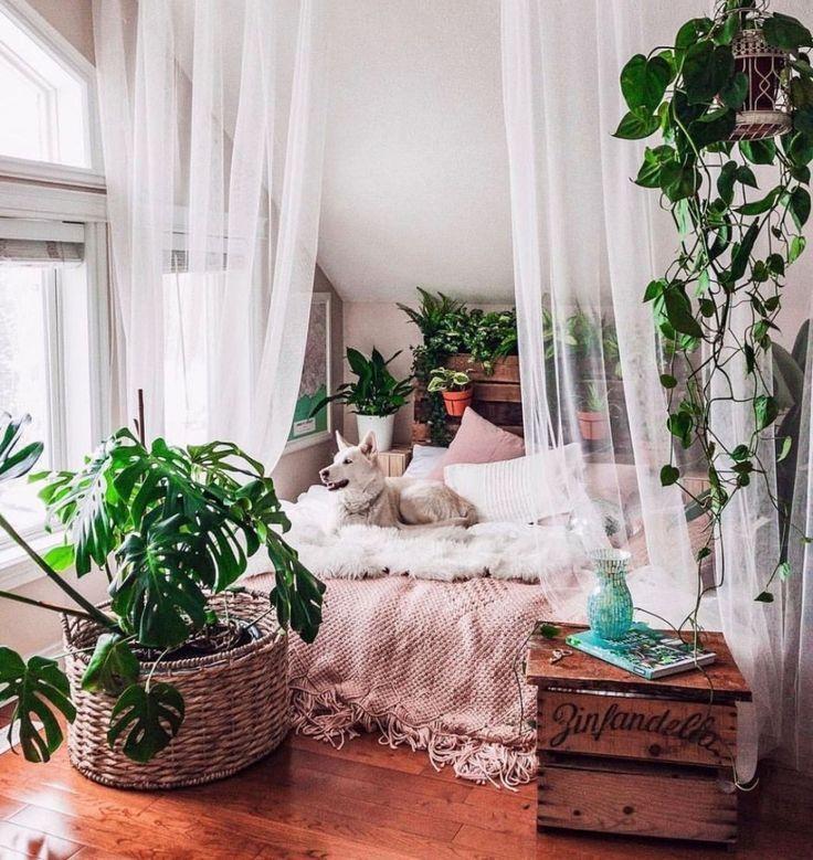 Creative Bohemian Bedroom Decor Ideas 17 - #Bedroom #bohemian #Creative #Decor #IDEAS #bedroomgoals
