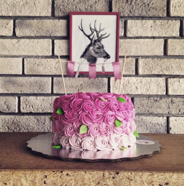Дивные торты в стиле омбре (44 фото)