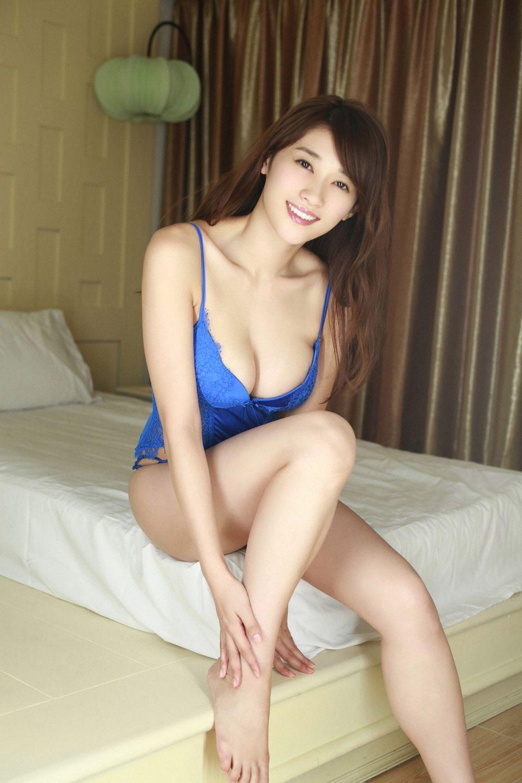 Mikie Hara (b. 1987)