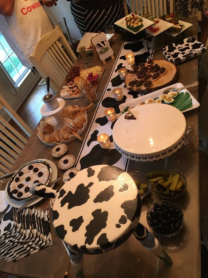 Black and white food helped create the cow theme throughout.