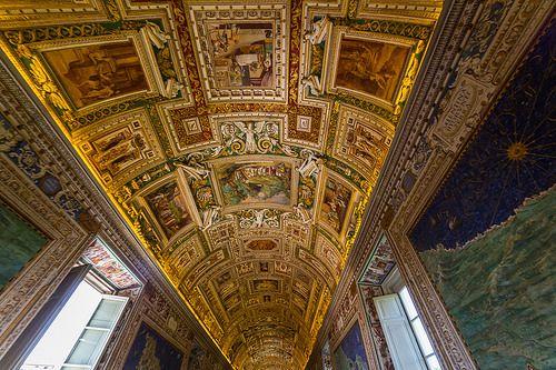 En güzel dekorasyon paylaşımları için Kadinika.com #kadinika #dekorasyon #decoration #woman #women Gallery ceiling at the Vatican Museum in the Vatican City Rome Italy