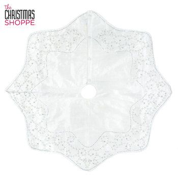White Swirl Scallop Tree Skirt | Tree skirts, Swirls ...