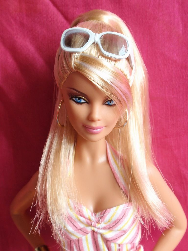 IDDDDDDDDDModel  Barbie doll hairstyles, Barbie hair, Barbie