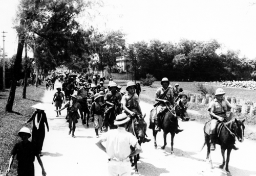 Vichy french soldiers in indochina during the japanese invasion of vichy french soldiers in indochina during the japanese invasion of 1940 the imperial japanese publicscrutiny Choice Image