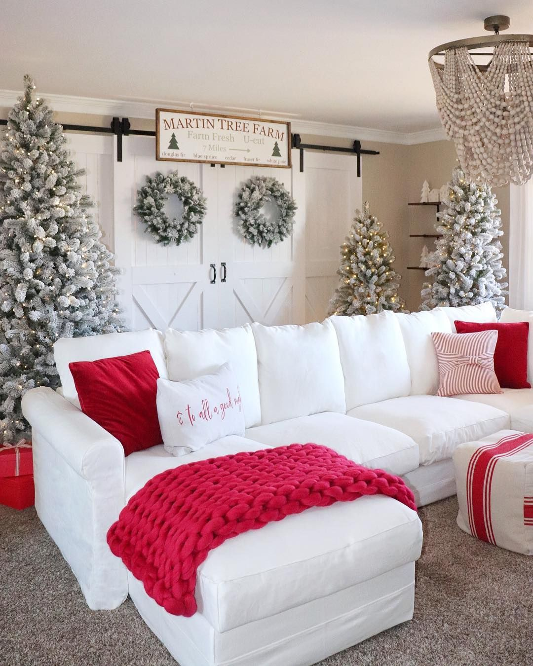 Christmas Decor Ideas Christmas Ideas Christmas Decorations Christmas Deco Christmas Decorations Living Room Christmas Living Rooms Christmas Decor Inspiration