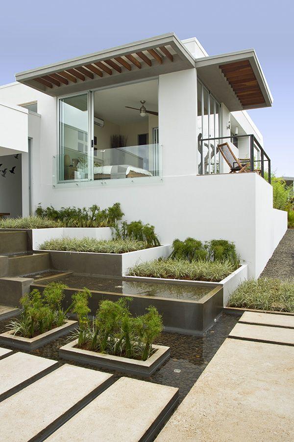 Look Chic Minimal Example 3 Minimalist Landscape Modern Landscape Design Minimalist Garden