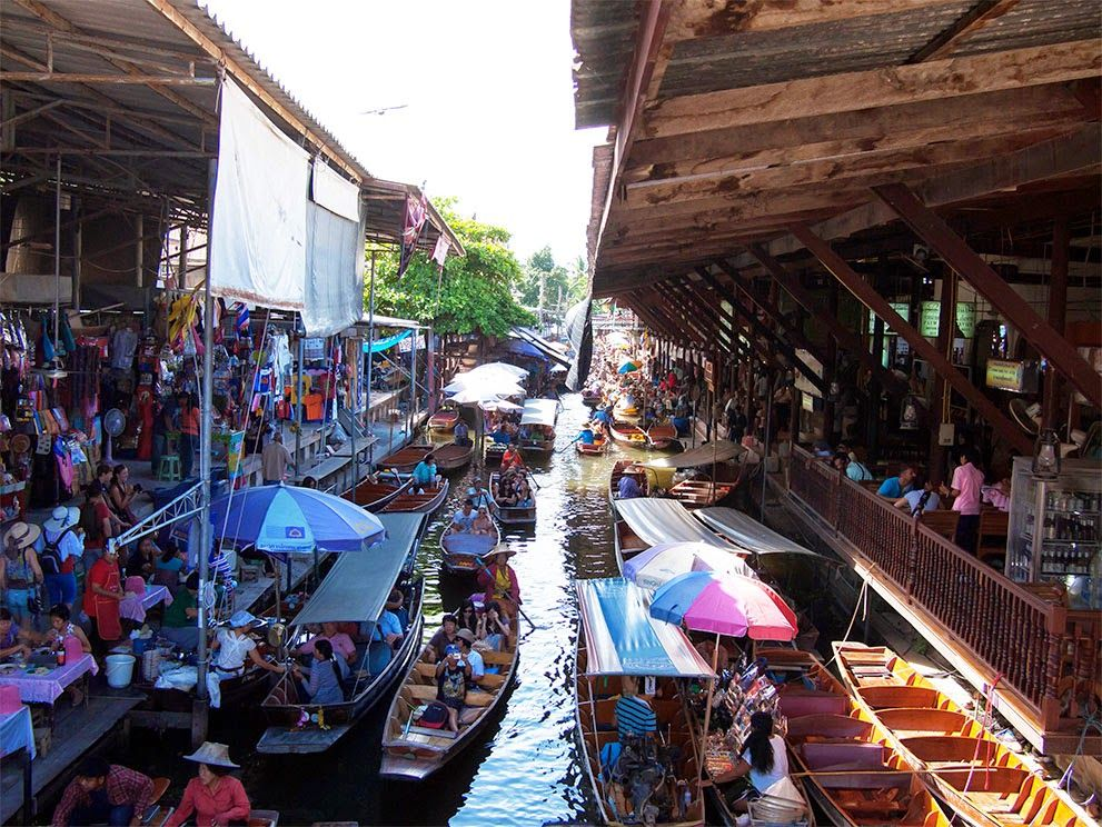 Travel in Thai: Floating Market 曼谷,以前有東方威尼斯之稱,因為曼谷市內有非常多的河道,居民出入多數都是依靠 ...