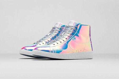 Alerte générale, après les liquid gold qui nous avait fait perdre la tête  découvrez la nouvelle paire de Nike Blazer Mid Premium QS Iridescent pour  femme