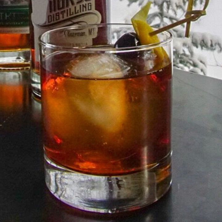 Photo of This Extra Boozy Whiskey Cocktail Is Exactly What You Need All Winter