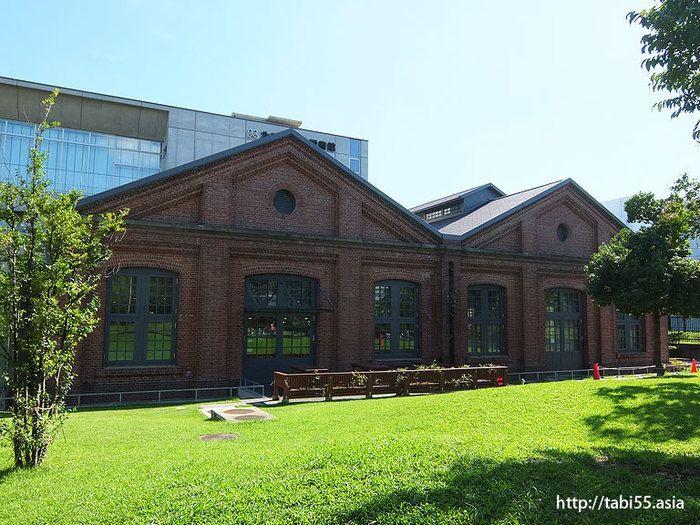 本だけじゃないよ 建物や空間も楽しめる日本全国のステキな図書館10選 キナリノ 近代的な外観 近代的な建物 建物