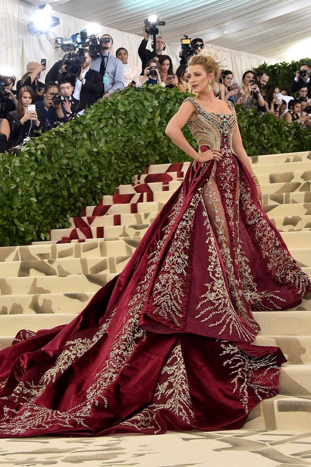 Blake lively arrives in versace to the met gala metgala