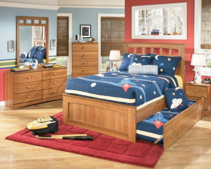 Kinderzimmer Ideen Jungs Braun Und Rot Blaue Decke Hölzerne Möbel