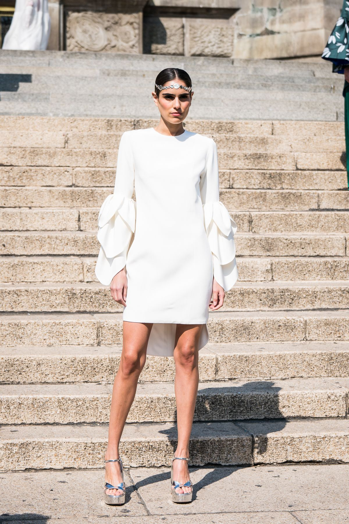 93e9fb05ae83 KRIS GOYRI White Now, Club Outfits, Color Trends, Party Wear, Mexican,
