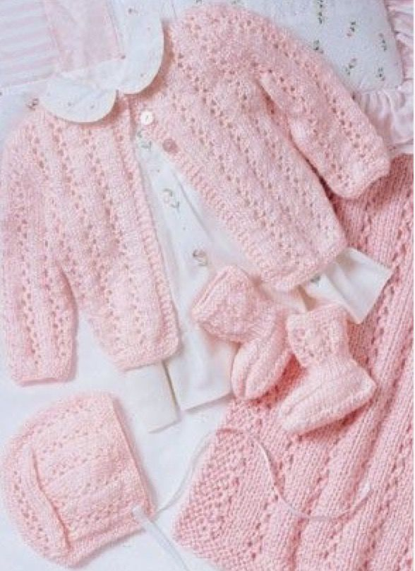 Pin de Carol Ann en Baby Pink Cottage | Pinterest | Ropa bebe ...