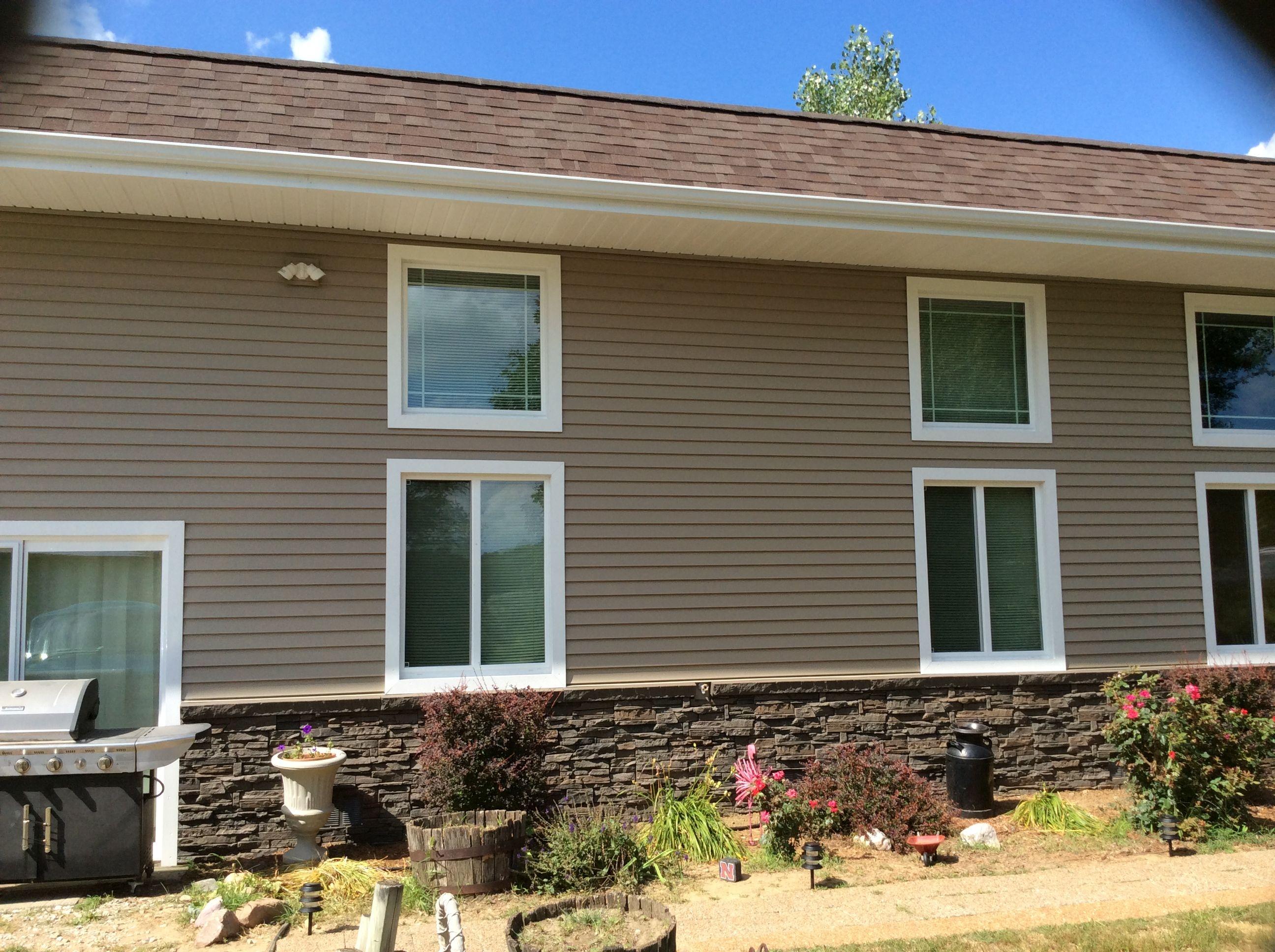 Beautiful siding & Genstone combination on this customer\'s home ...