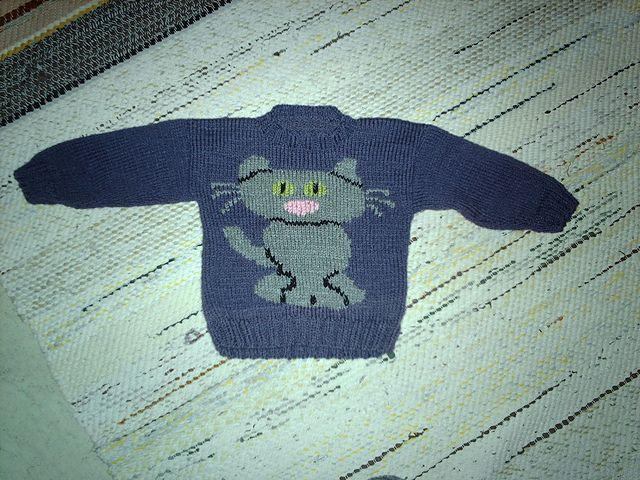 A Clowder of Cat Sweaters pattern by Eileen Casey | Cat