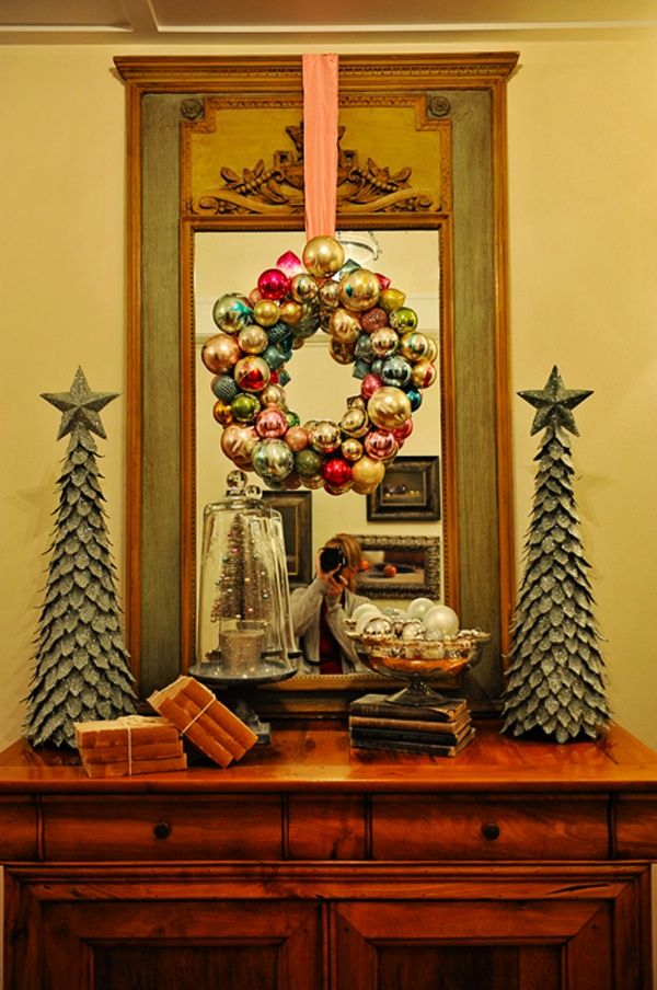 christmas decorating vignettes Pleasing vignette Christmas - christmas decor pinterest
