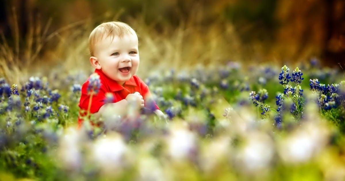 We Carefully Pick The Best Background Images For Different Resolutions 1920x1080 Iphone 5678x Full Hd Uhq Samsu Baby Wallpaper Baby Wallpaper Hd Baby Images Hd Children with toy hd wallpapers