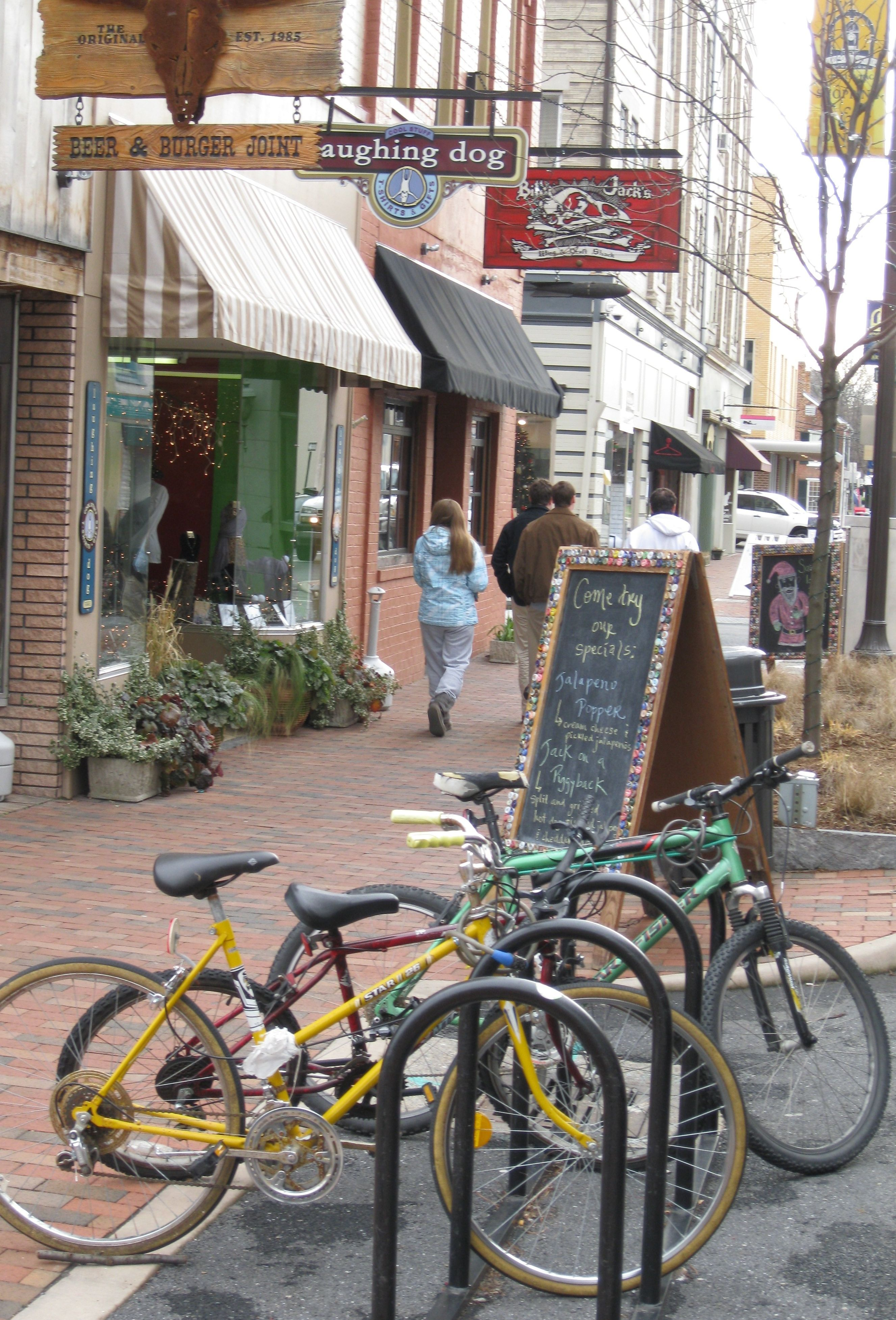 Do Downtown Harrisonburg Va Where Dining And Shopping Are At Its