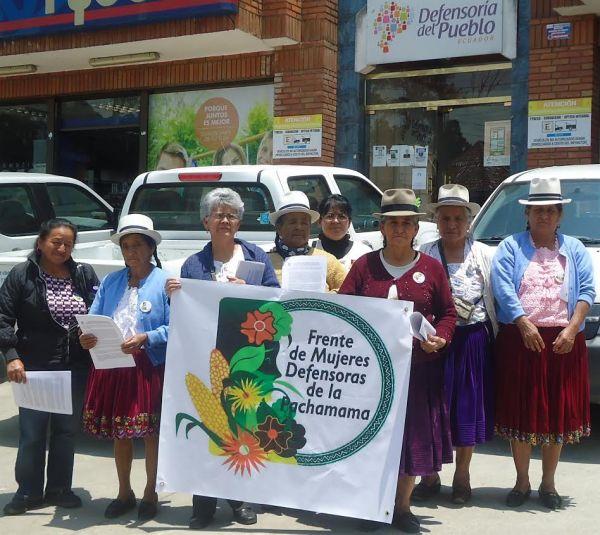 Ecuador: Defensoras de la Pachamama denuncian agresión policíaca en protesta pacífica