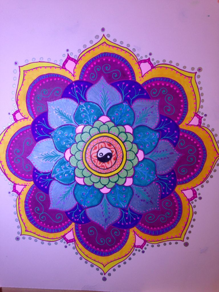 I'm back - had a Dr. Imposed hiatus from drawing to heal my neck from too many drawing sessions back to back,  here's #9 for #100mandalas