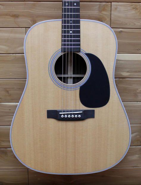 Martin D-28 Dreadnought Acoustic Guitar   Martin D-28 Dreadnought