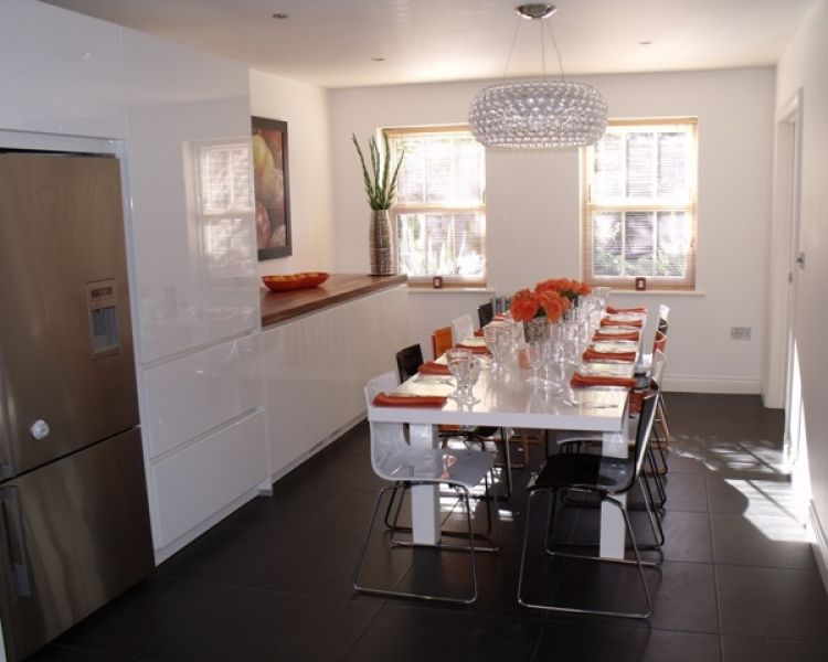 Created By Elements Kitchens, Here We Have A High Gloss White ALNOSTAR SIGN  Kitchen