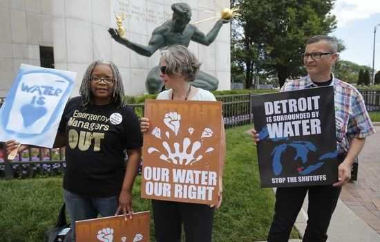 Detroit shutoffs to continue after judge says poor have no right to water http://www.dailykos.com/story/2014/09/29/1333163/-Detroit-water-shutoffs-to-continue-after-judge-says-poor-have-no-right-to-water … #UniteBlue #LibCrib
