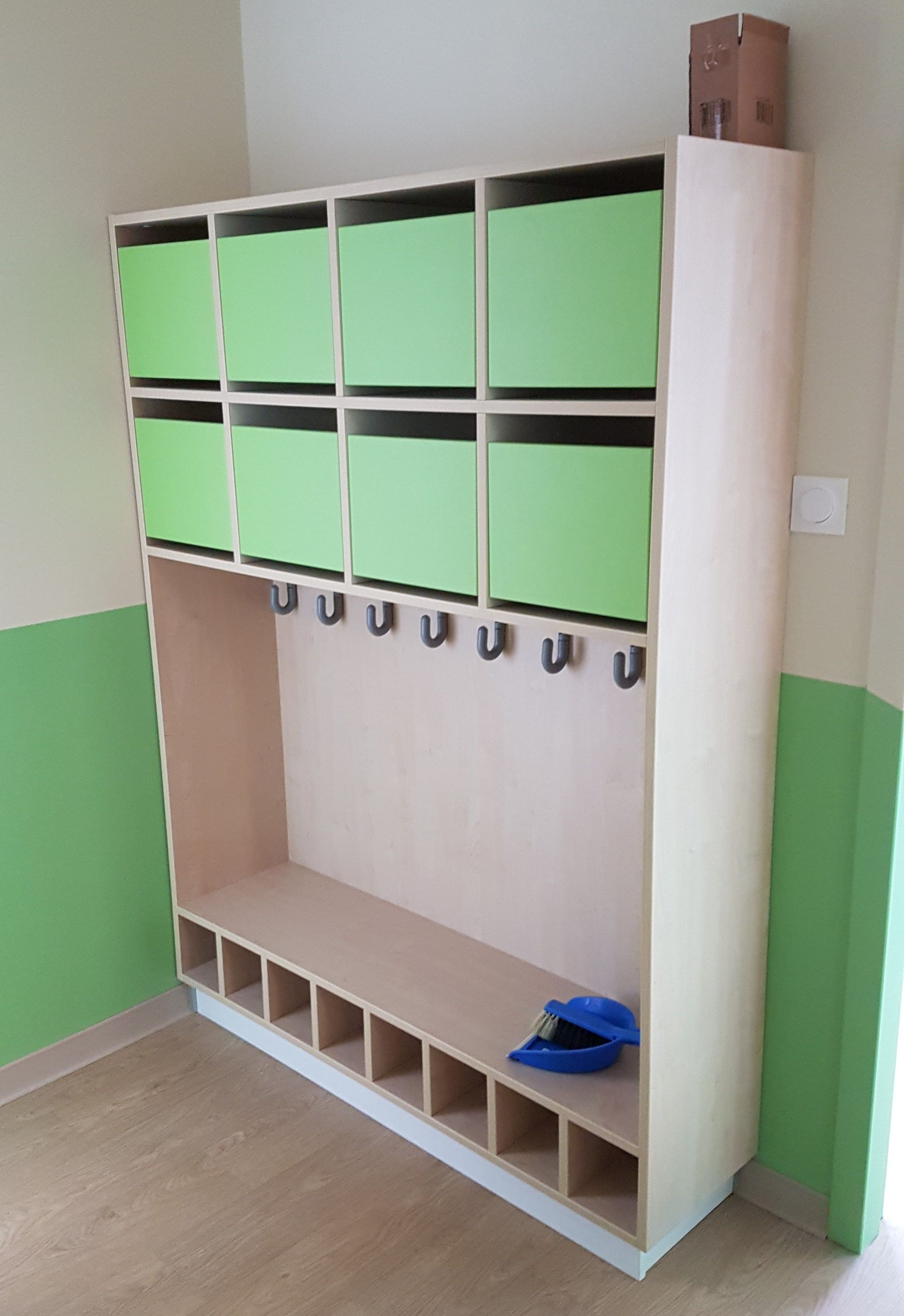 Meuble De Rangement Pour Garderie accueil crèche microcrèche vert pomme avec casiers et range