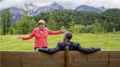 Eingebetteter Bild-Link -fun-  #Merkel: Das ist dein Land wo du die Menschen ausspionieren und die halbe Welt mit Krieg überziehen darfst