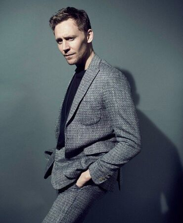 Tom Hiddleston, a great suit-dresser, has a charming face and a large number of interests and hobbies. His film Kong: Skull Island can be listed in your movie sheet.