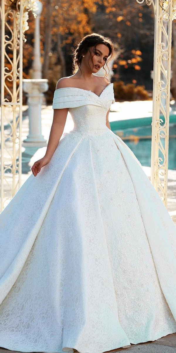 24 Romantic Bridal Gowns Perfect For Any Love Story | Wedding Dresses Guide – Ball Gown & A-line Wedding Dresses