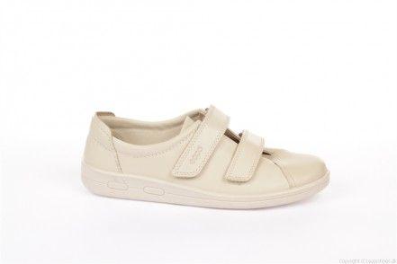 Ecco 012573 Soft II Ice White Let og åndbar klassisk sko med velcro lukning og opbygning i sålen.