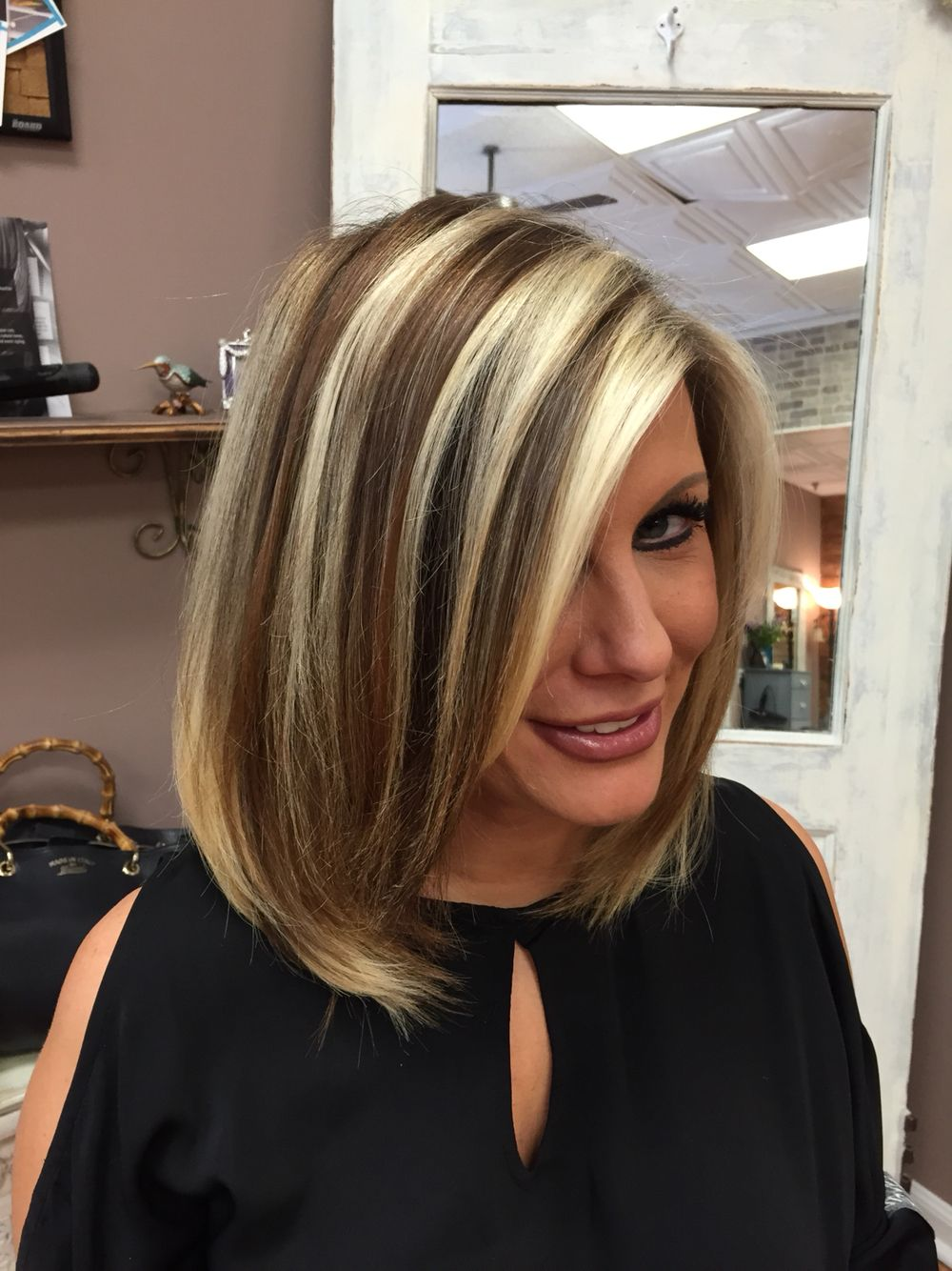 Bold Chunk Highlights Bob Modern Techniques Hair Styles Brown Hair With Blonde Highlights Chunky Blonde Highlights