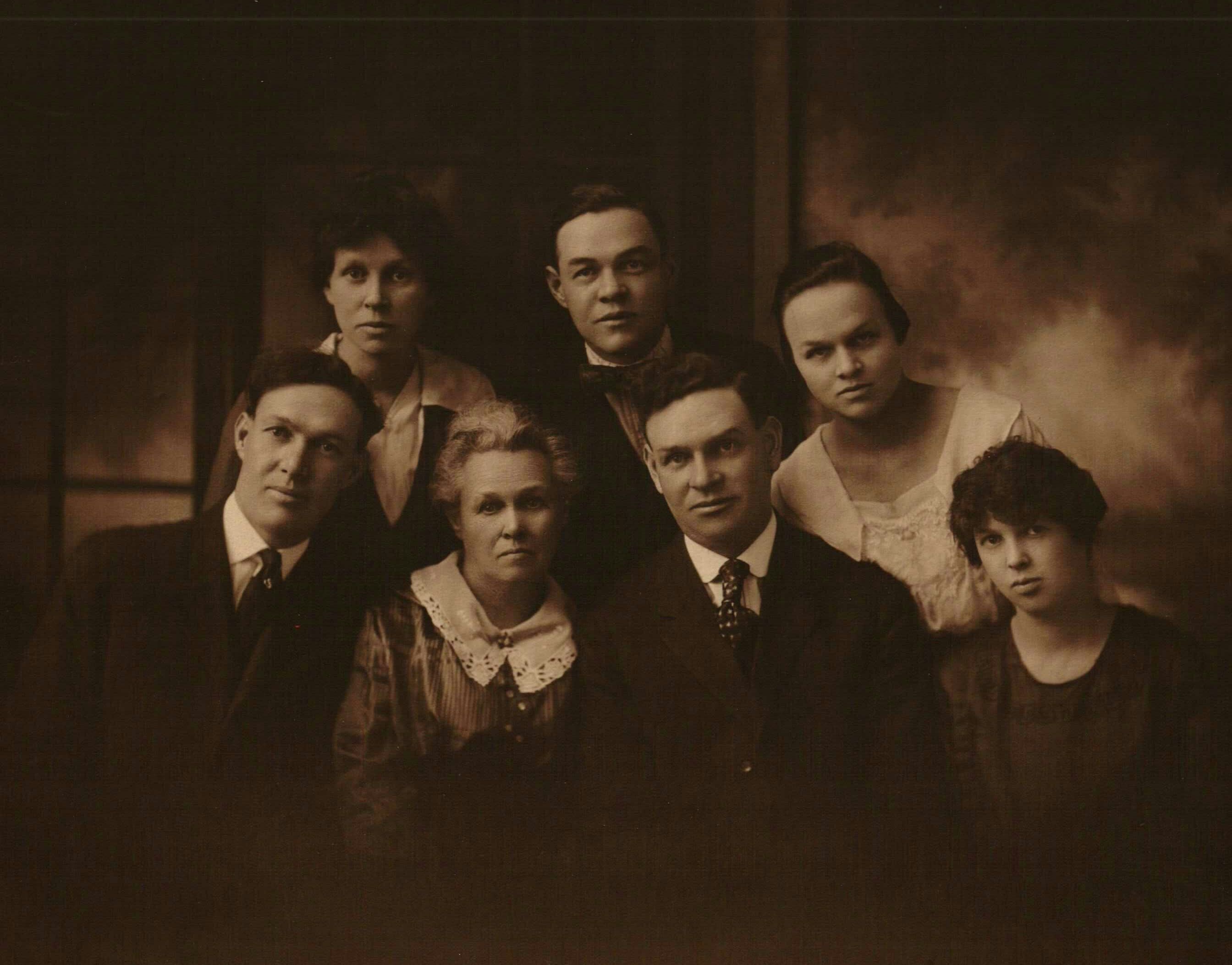 Harris Family Portrait - Photos and Stories — FamilySearch.org