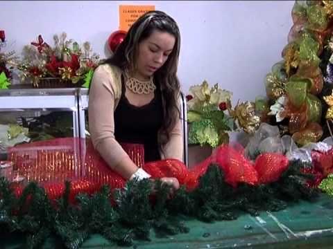 Como se hacen mo os en malla para navidad youtube for Guirnaldas navidenas para puertas y ventanas