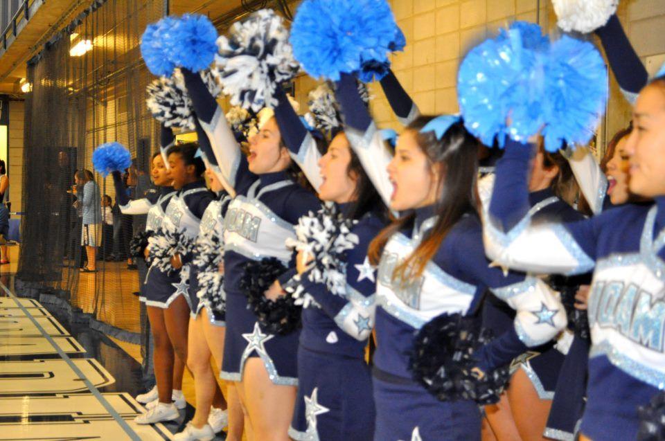 Game day #cheerleading #cheer #team @UQAM   Université du Québec à Montréal