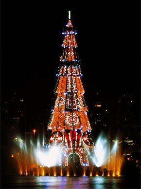 worlds largest floating christmas tree1 - Worlds Largest Christmas Tree