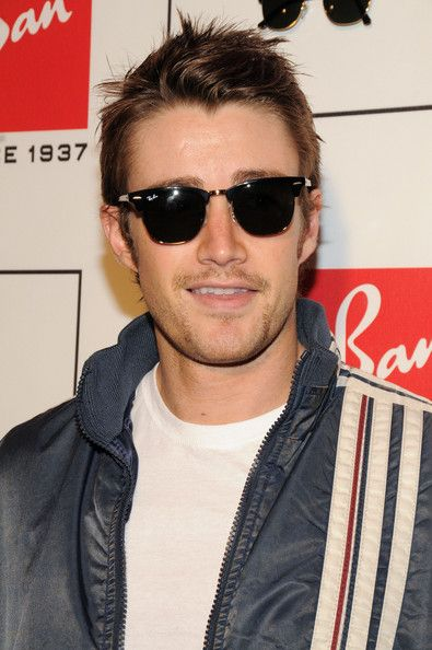ray ban clubmaster 54mm  Robert Buckley ! Ray ban - Clubmaster
