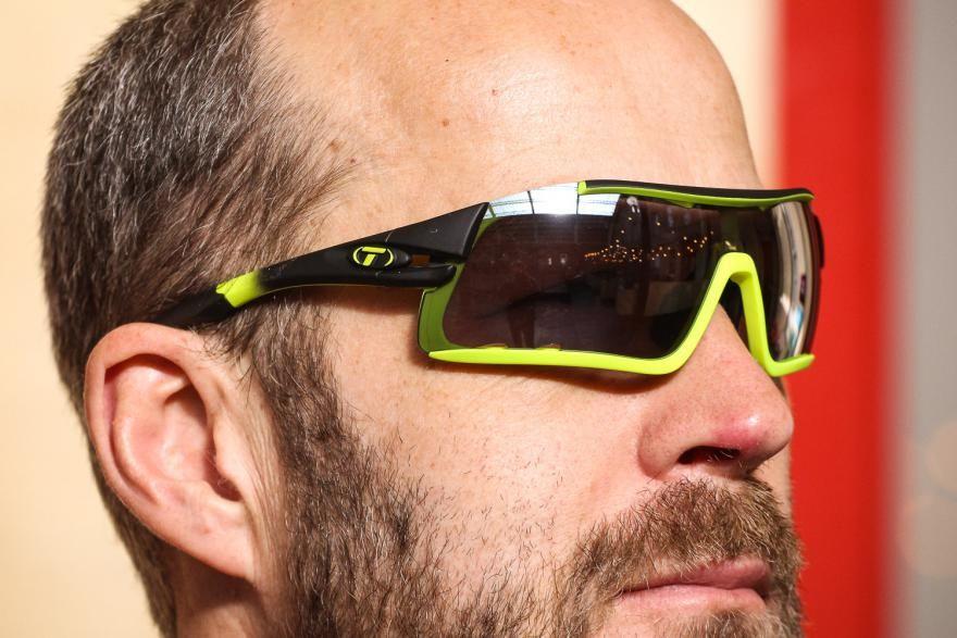 ee33cf353e Review  Tifosi Davos Race Neon Interchangeable Lens Sunglasses