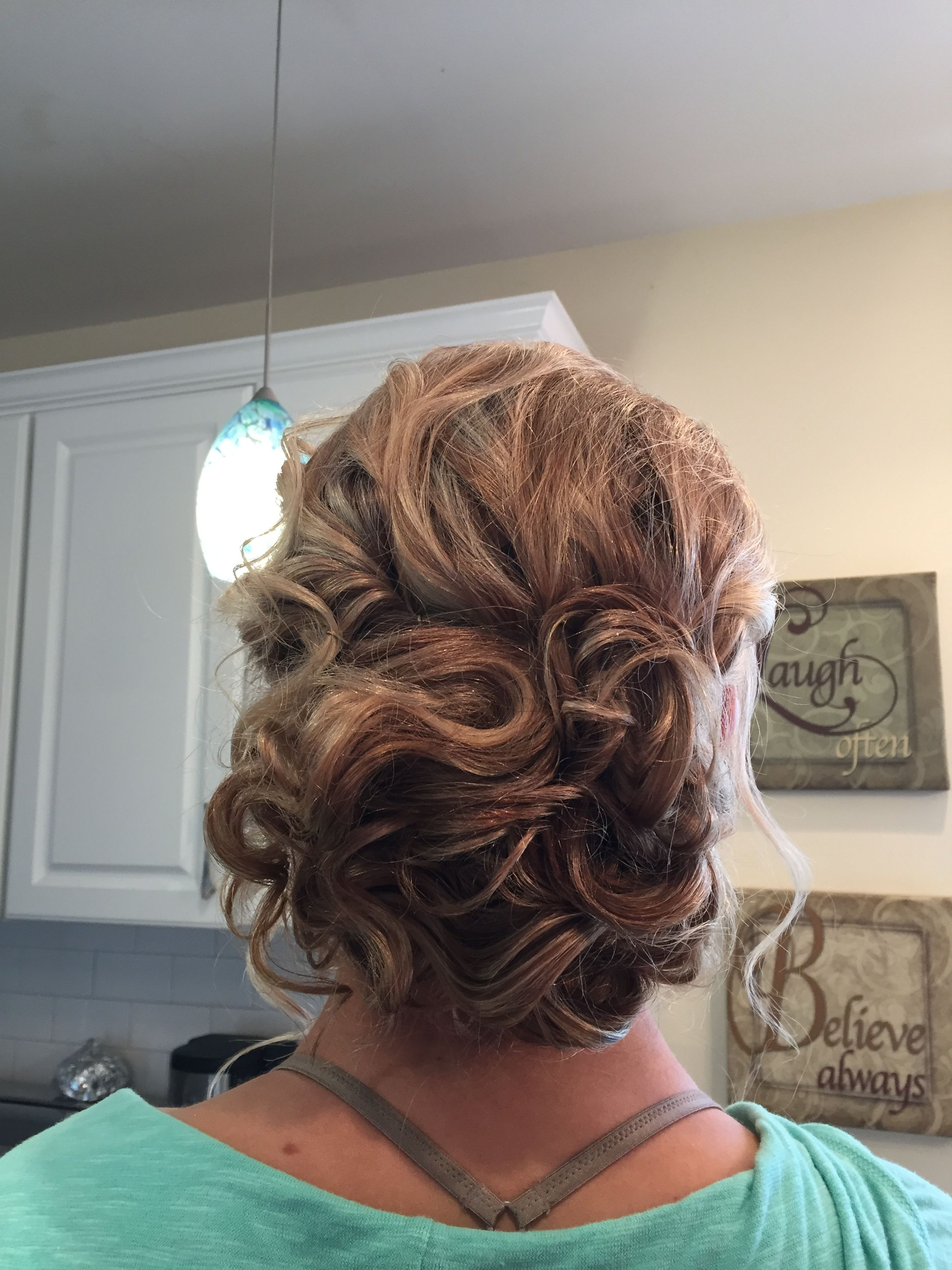 Romantic and loose curls